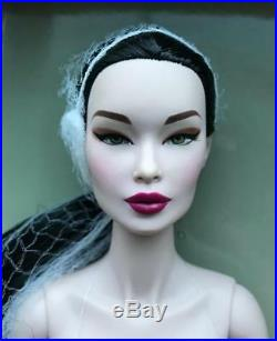 16 FRFall Phenomenon Elsa Lin Dressed DollLE 400NEWNRFB