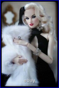 2017 Integrity Toys Fairytale Convention Fashionably Ruthless Tatyana with BONUS