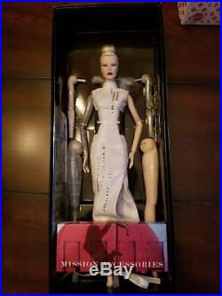 Fashion Royalty Dasha as Anika Luxottica IFDC 2016 NRFB Integrity Toys Doll