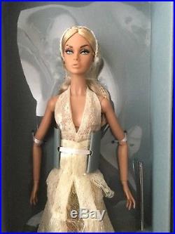 Fashion Royalty IFDC 2018 Poppy Parker Summer of Love Souvenir Doll NRFB #PP131