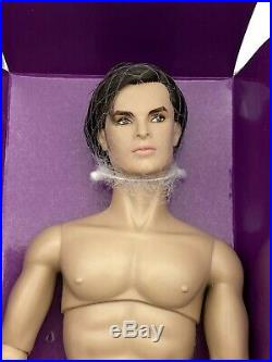Fashion Royalty Integrity Toys Color Infusion Callum Windsor Homme Male Doll NEW