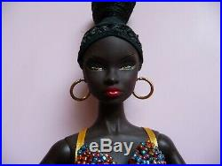Fashion Royalty Nu. Face NADJA ILLUSIONIST doll OUT OF BOX complete outfit in EU