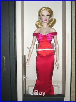 Integrity toys Fashion Royalty Supermodel Convention Dasha Diva Doll