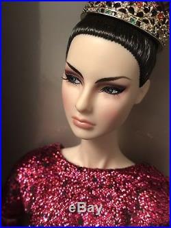 NRFB AFFLUENT DEMEANOR Agnes Von Weiss DRESSED DOLL Fashion Royalty