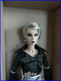 NRFB Fashion Royalty NuFace 3.0 Cream Skin Lilith Blair Smoke And Mirrors Doll