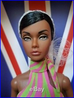NRFB HOLD THAT TIGER POPPY PARKER INTEGRITY TOYS Doll SWINGING LONDON
