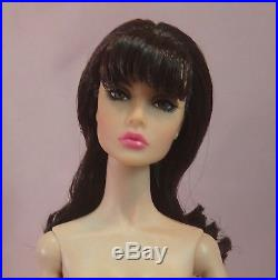 NUDE FR/IT POPPY PARKER Sign of the Times BRUNETTE withStand & EXTRA HANDS
