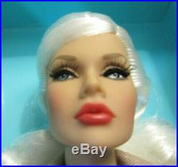 Off Beat Poppy Parker gorgeous platinum dressed doll NRFB withshipper-deal 4 U