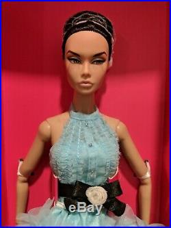Poppy Parker Love is Blue Doll NRFB 2019 Integrity Toys Convention Centerpiece