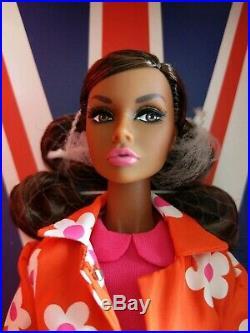SUNNY SLICKERS / London Poppy Parker Doll / Fashion Royalty IT Wu / NRFB Shipper