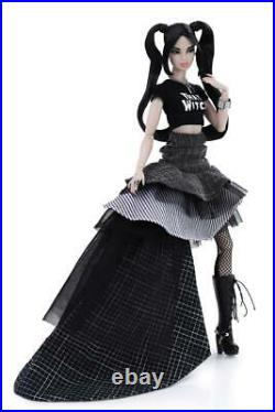 She's That Witch, Sooki Doll, The Industry. Integrity Toys Convention 2020 NRFB